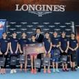 Uczestniczki turnieju Longines Future Tennis Aces 2016  i Leszek Pilch, brand manager Longines